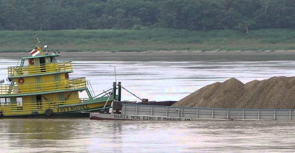 Transporte de Minérios em Balsas